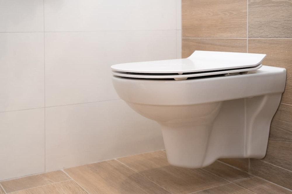 przeczyszczanie_rur_w_toalecie.jpg